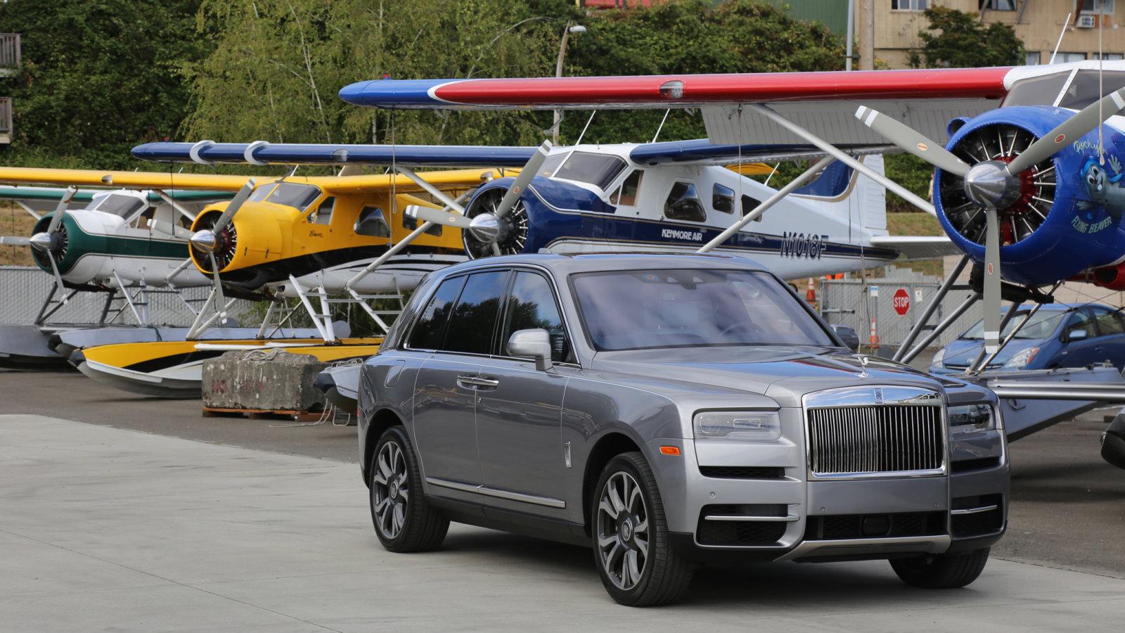 2020 Rolls-Royce Cullinan SUV practice run, driving impacts, style