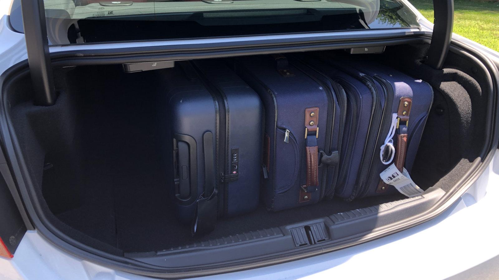 2020 Alfa Romeo Giulia Baggage Examination|Exactly how large is the trunk?