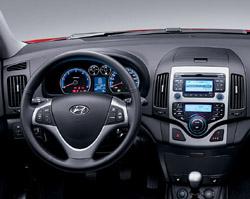 2009 Hyundai Elantra Touring revealed in Montreal