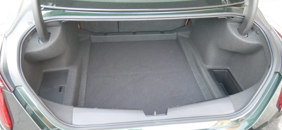 Cadillac CT4 Travel Luggage Examination Just how much suit the trunk?