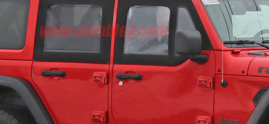 Jeep Wrangler examination car snooped with fifty percent doors