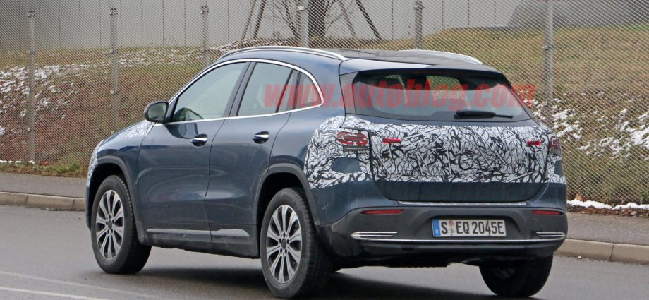 Mercedes-Benz EQA snooped with little camouflage