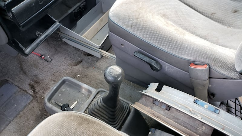 Junkyard Treasure: 1992 Dodge Campers With 5-Speed Guidebook Transmission