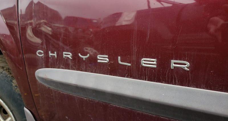 Junkyard Treasure: 2001 Chrysler Voyager