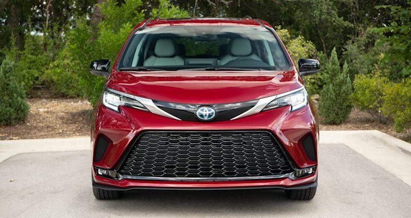 2021 Toyota Sienna XSE Practice Run Testimonial|It's the 'stylish' one