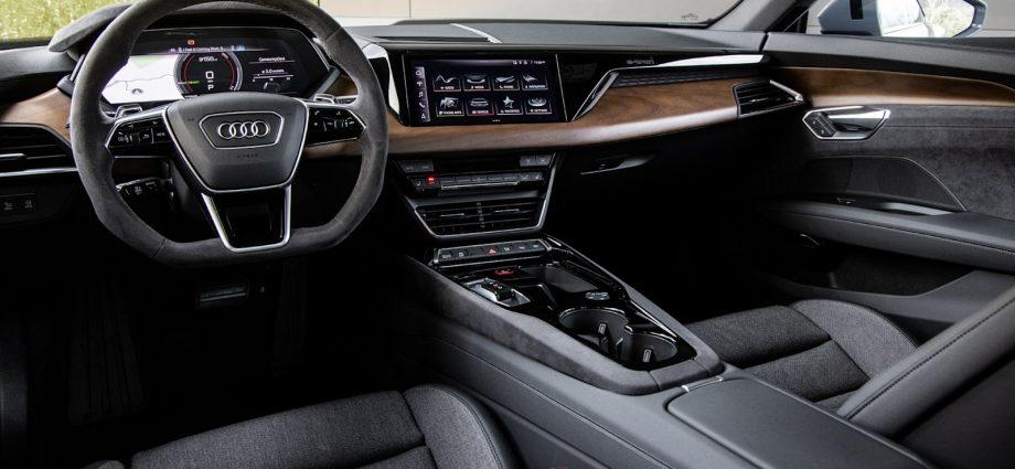 2022 Audi RS E-Tron GT Initial Drive Testimonial|The halo EV shows up