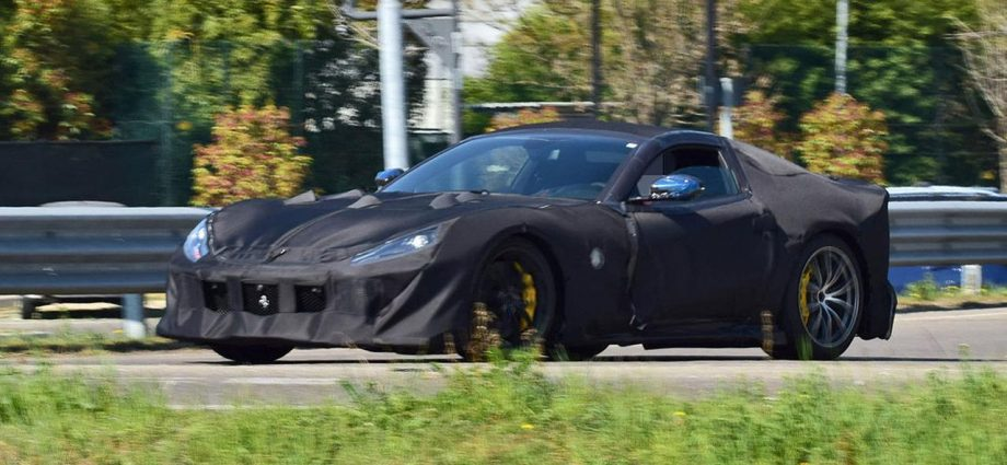 """Ferrari 812 GTO """"Versione Speciale"""" to be exposed on April 21!"""