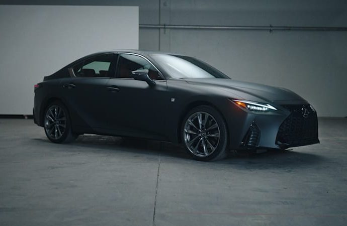 Lexus constructs a one-off IS 350 with a document gamer in the handwear cover box