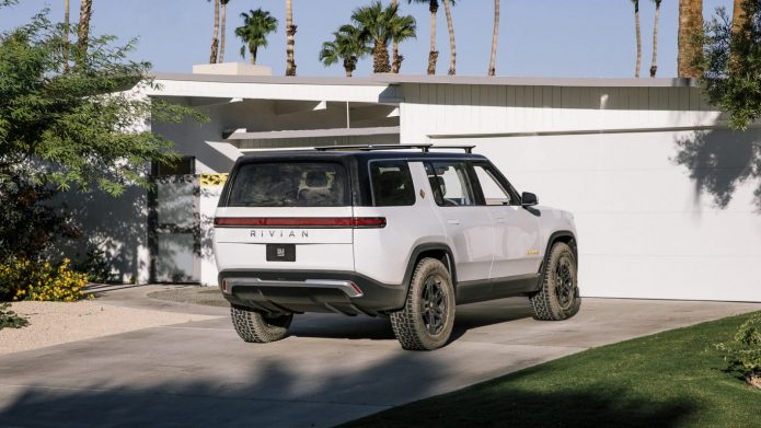 Rivian jumps right into the insurance coverage video game to cover its upcoming R1T and also R1S