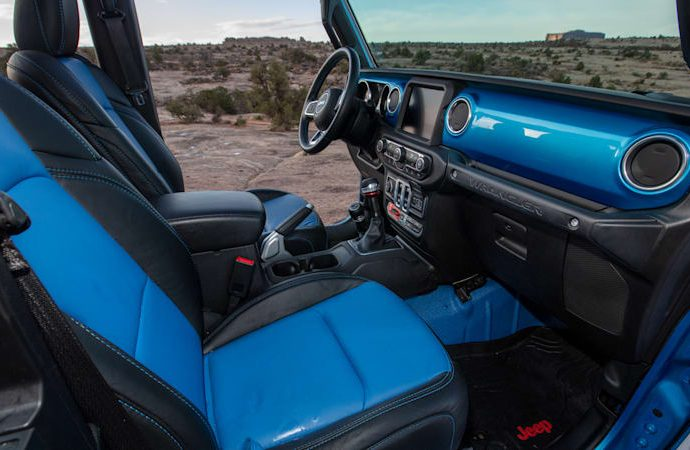 Driving the electrical Jeep Magneto BEV as well as the various other Easter Jeep Safari principles