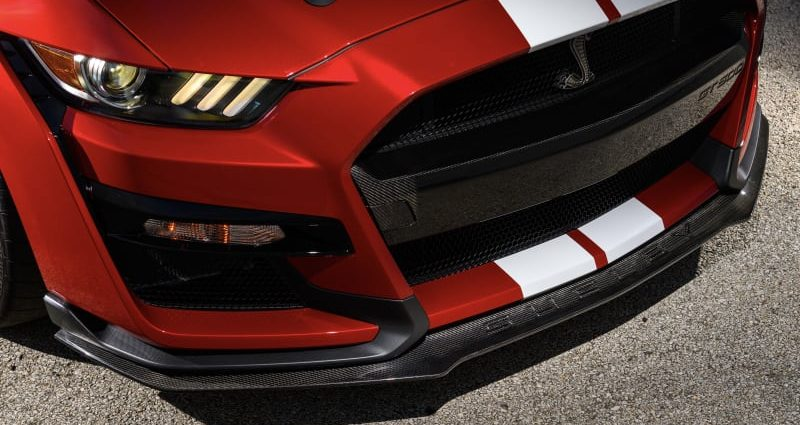 Ford Mustang Shelby GT500 includes carbon fiber devices