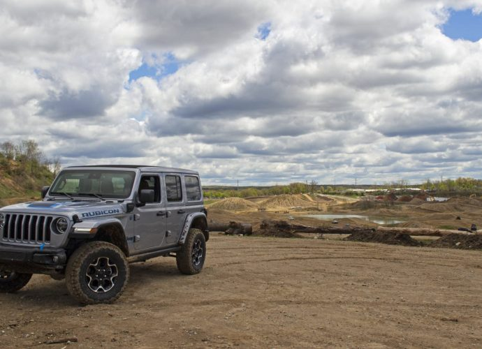 Jeep Wrangler Rubicon 4xe vs. Jeep Wrangler Rubicon 392|Quick Contrast
