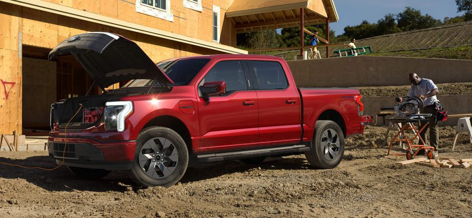 2022 Ford F-150 Lightning Trim Failure|Right here's what you access each degree
