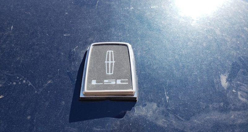 Junkyard Treasure: 1988 Lincoln Mark VII LSC