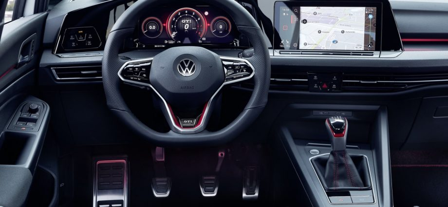 2022 Volkswagen Golf GTI First Drive Assessment | Straight out of central casting