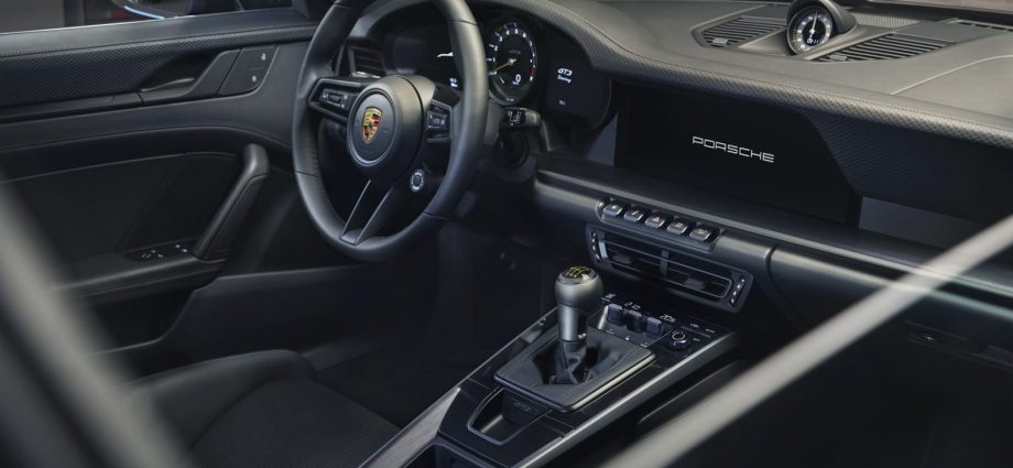 2022 Porsche 911 GT3 Touring gets in as the refined and also wingless GT3