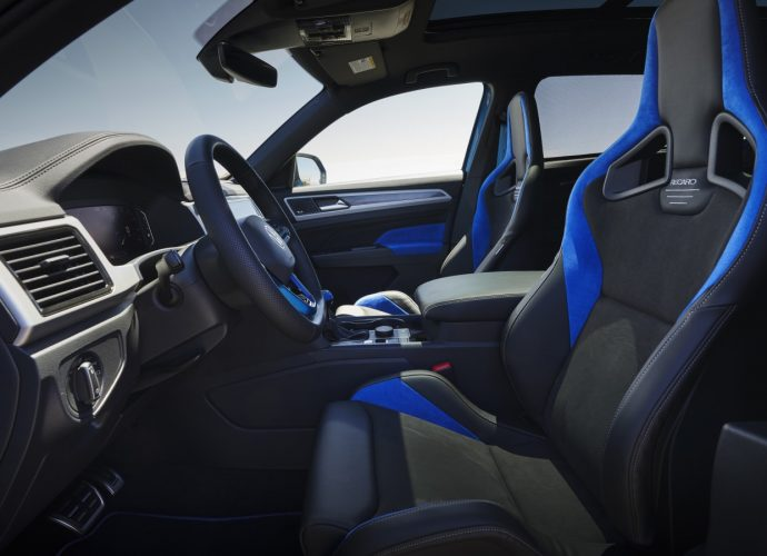Volkswagen Atlas Cross Sporting activity GT Idea utilizes the Golf R's engine