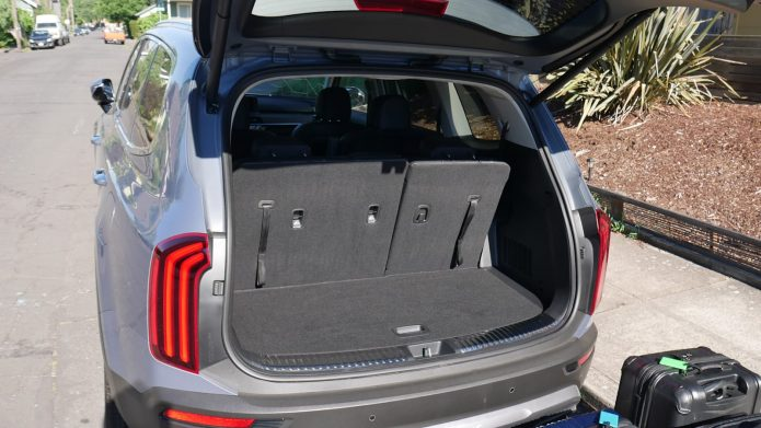 Kia Telluride Travel Luggage Examination Just how much fits behind the 3rd row?