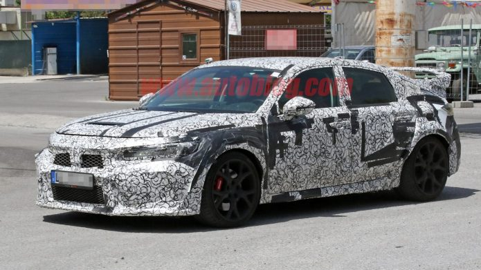 Next-gen Honda Civic Kind R snooped from every angle