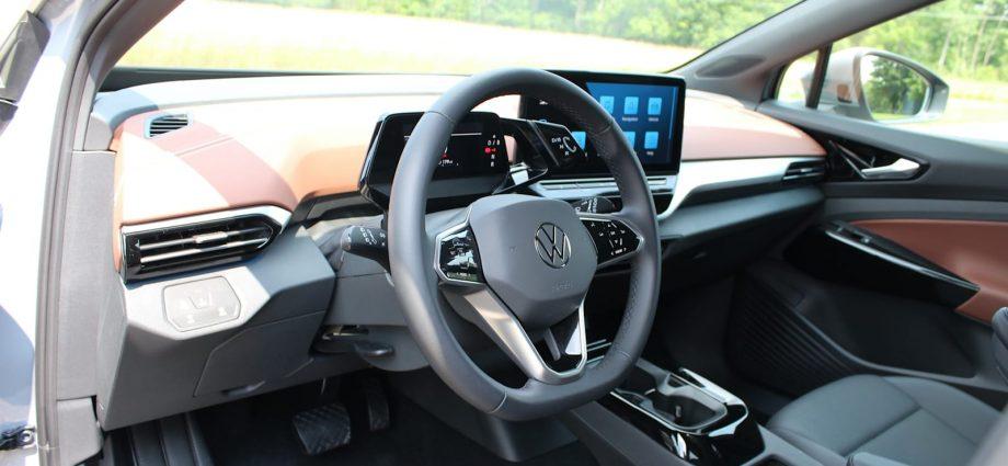 2021 Mustang Mach-E vs 2021 Volkswagen ID.4 Contrast Examination