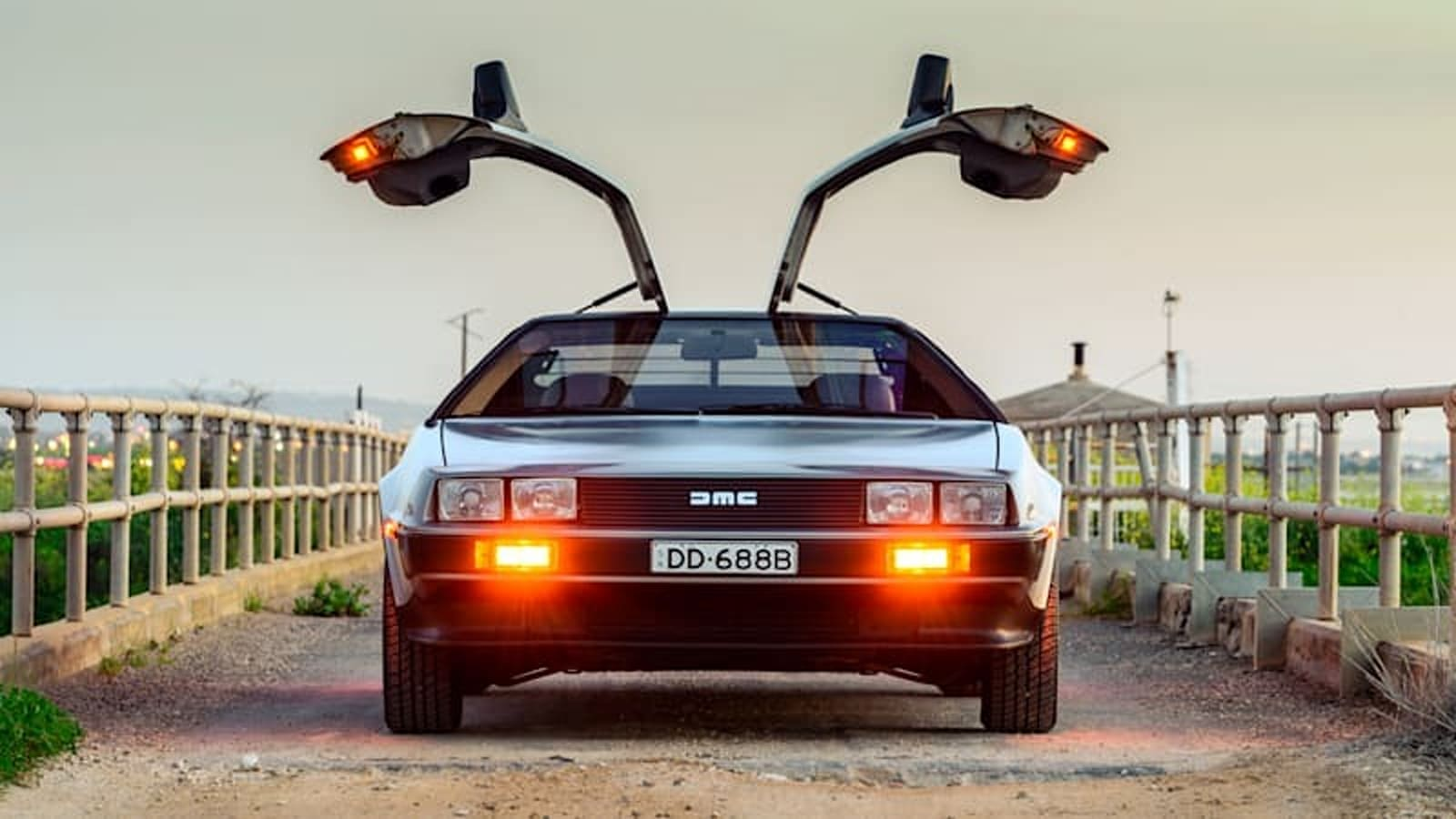 John DeLorean GM alternative background