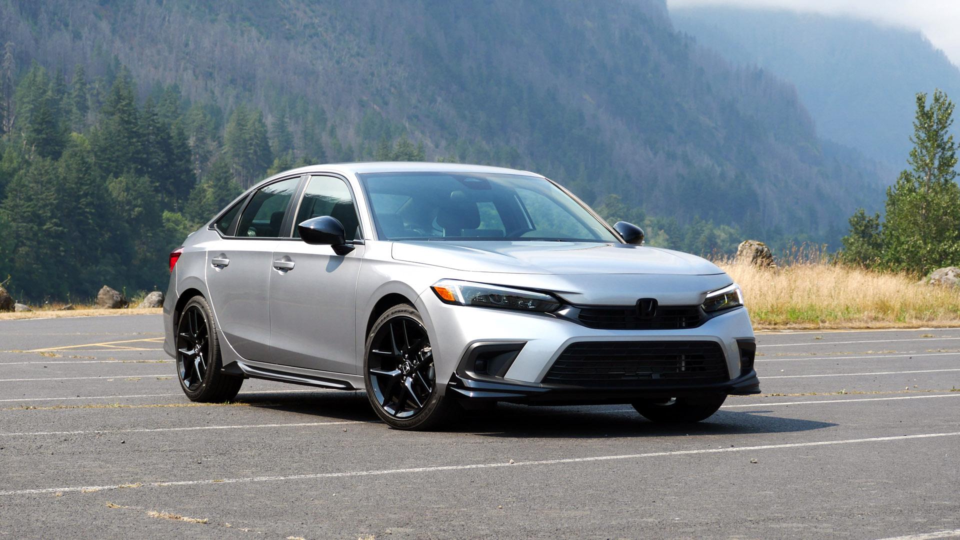 2022 Honda Civic Sport front